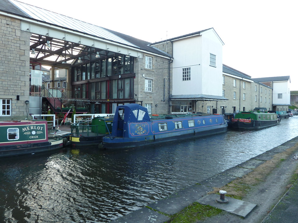 Apollo Canal Cruises Shipley Leeds Liverpool Canal Yorkshire