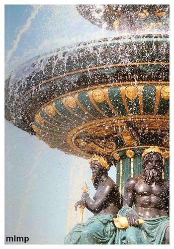 place de la concorde et détail de fontaines