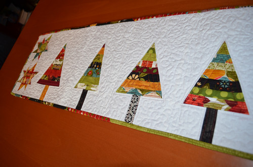 Modern Christmas Table Runner - detail