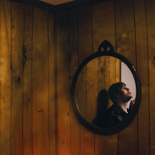 [フリー画像素材] 人物, 男性, 鏡 ID:201112271400