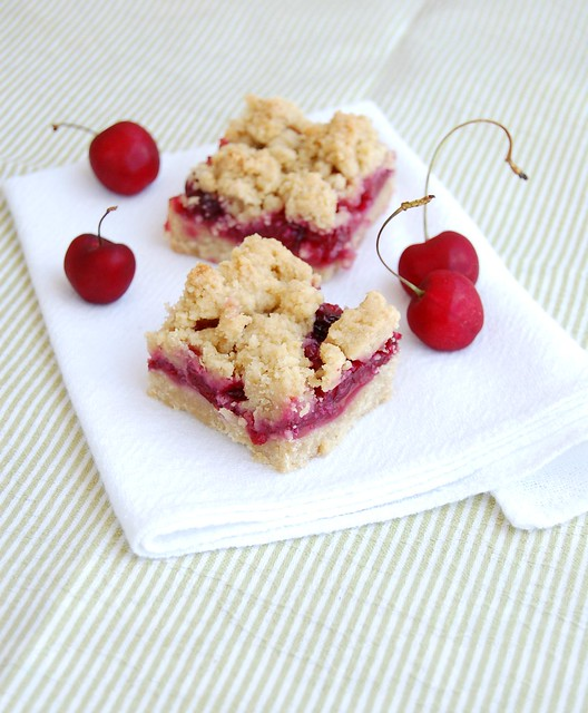 Cherry almond bars / Barrinhas de amêndoa e cereja