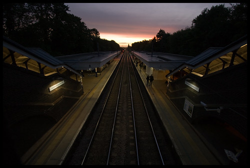 station dawn tooearly letchworthgardencity newdawn earlymorningcommute anotherpartialsuccess buildingsfortripods