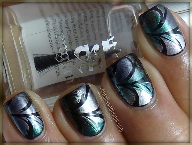 Happy New Year's Eve!! - NYE Holiday Manicure