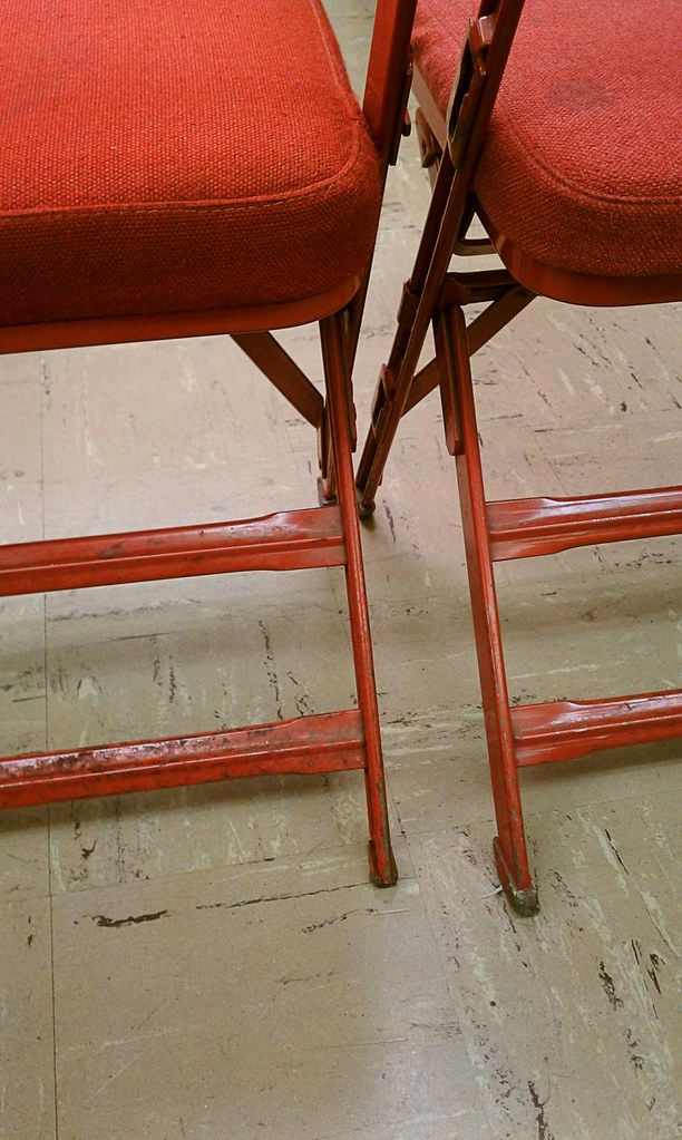 FOLDING CHAIRS AND TABLES FOR SALE FOLDING CHAIRS AND 8 FOLDING TABLE