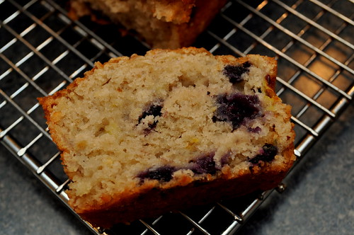 blueberry-banana-bread-03