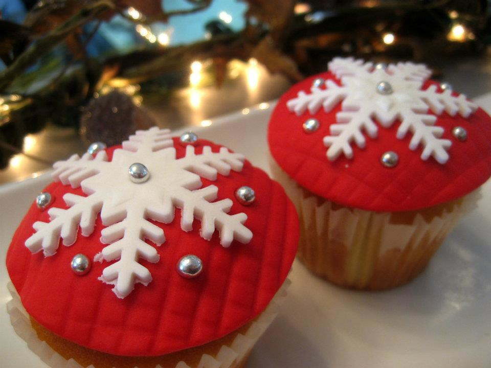 Cupcakes Take The Cake: Red velvet Rudolph reindeer cupcakes, plus ...