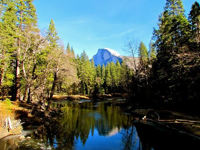 Yosemite National Park - Flickr CC jeffgunn