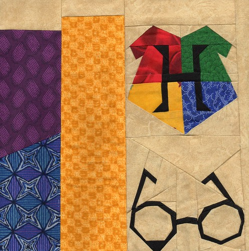 HP Block 4 Bookcase Quilt