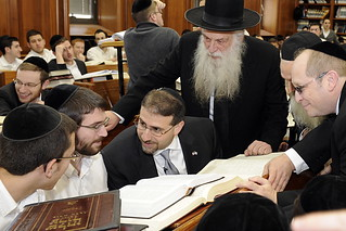 Visits the Mir Yeshiva, Bedomaich Chayi and Dor Yeshorim No.145 | by U.S. Embassy Jerusalem