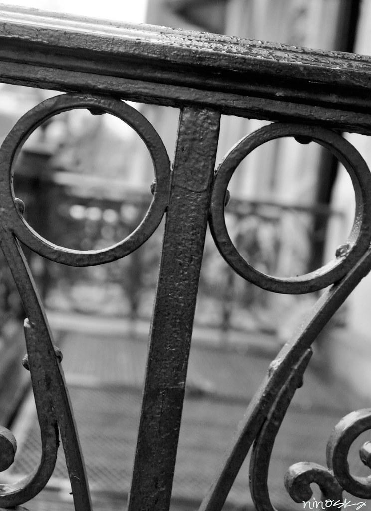 circle-fence-BW