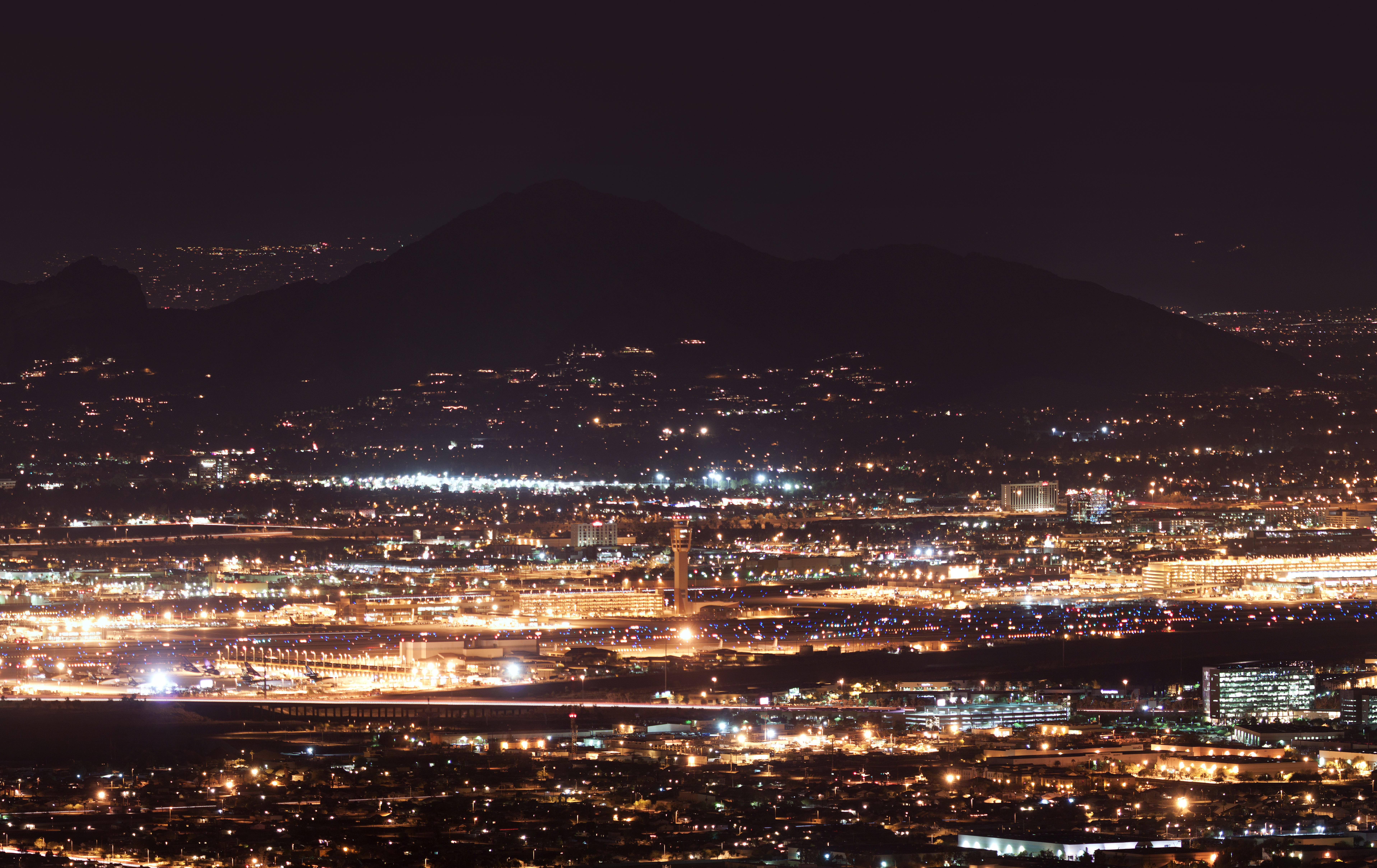 Sky Harbor Airport And Camelback Mountain At Night Flickr