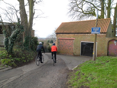cyclists advised to dismount