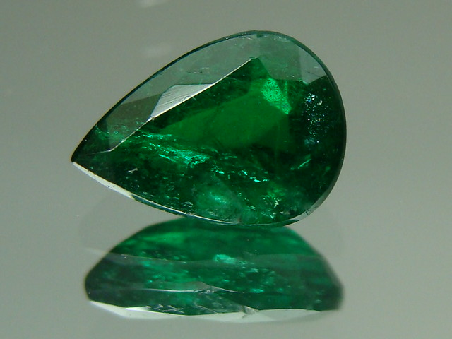 Top notch emerald 7x5mm