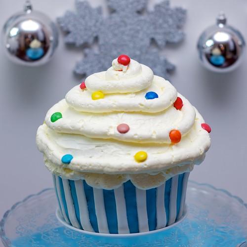 Gigantyczny cupcake by CupcakeLovePL