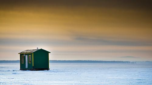 hiver lac ciel froid espace cabane glace philipsburg pêche pêcheblanche lacchamplain