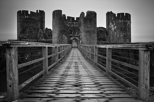 uk bw castle wales mono ruins 1740 2012 caerphilly leefilters bigstopper canoneos5dmk11 thesundayclub stevechatman
