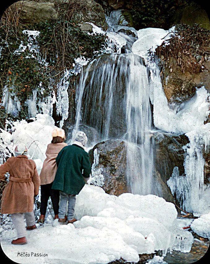 cascade gelée au bois de Boulogne à Paris en février 1954 météopassion