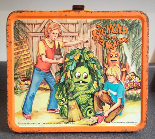 1974 Aladdin metal Lunch Box Sigmond Sea Monsters Krofft