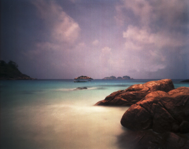 Pulau Redang, pinhole with expired fi(2)