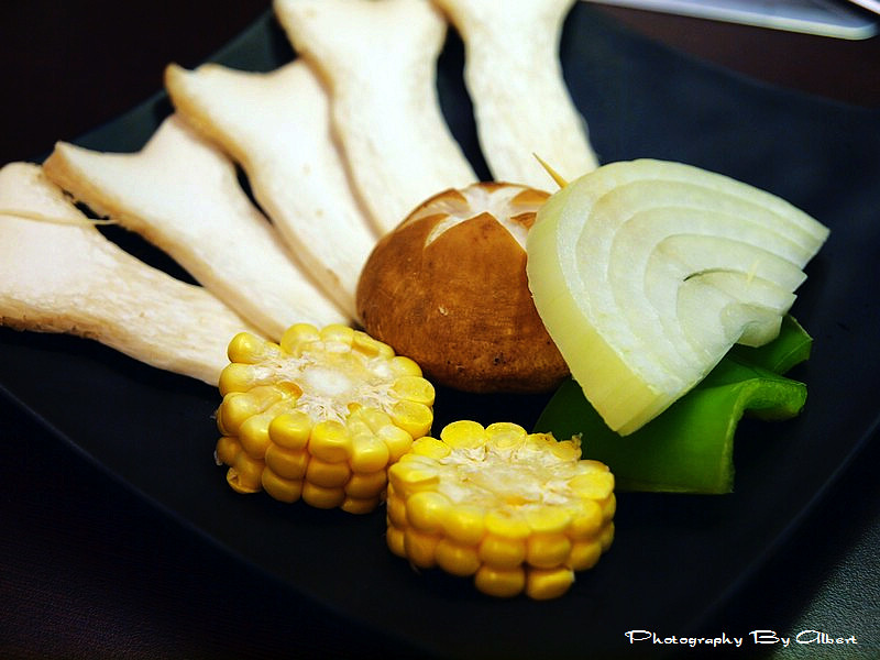 【結束營業】桃園市.尚旺玉米爇燒肉(超特別的玉米爇燒肉)