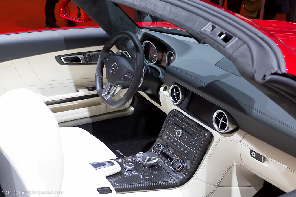 Motor Show - Mercedes Wheel 2