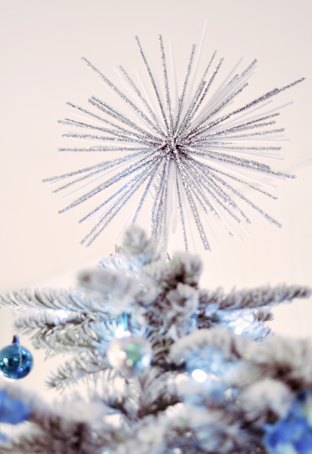 fab diy mod starburst tree topper with pipe cleaners. Black Bedroom Furniture Sets. Home Design Ideas