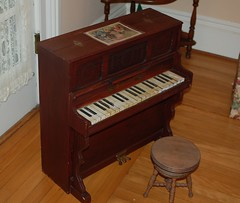 celesta, piano, keyboard, hardwood, spinet, player piano, string instrument,