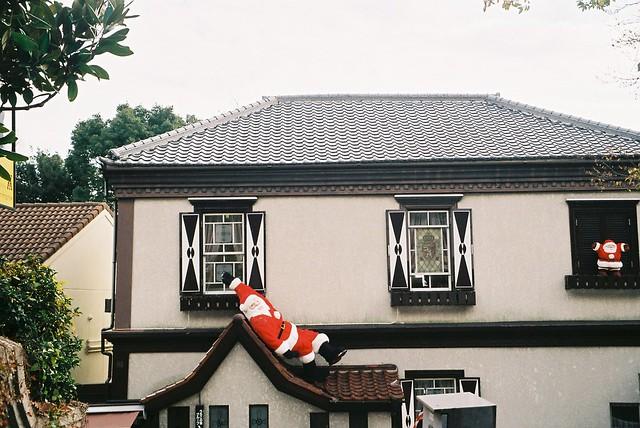 聖誕老公公滑倒囉