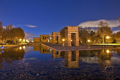 Anochece en el Templo de Debod - Dusk in the Temple of Debod by Marco Antonio Losas