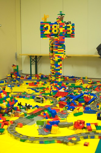 #28C3 in Lego, CC-by-NC-SA 2.0, photo by dajmonpills