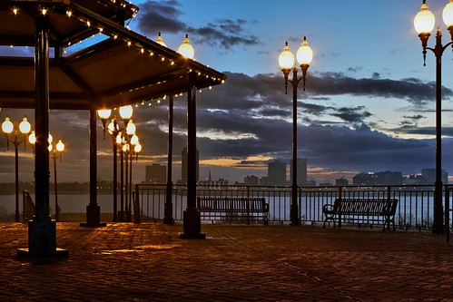 morning skyline sunrise landscape louisiana nightshot 28mm gazebo elements mississippiriver dxo hdr lampposts mrgreenjeans gaylon canonef28135mmf3556isusm portallen batonrougeskyline oloneo gaylonkeeling