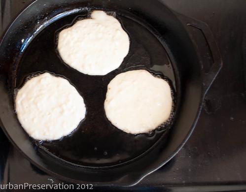 Pancakes_half_done.jpg