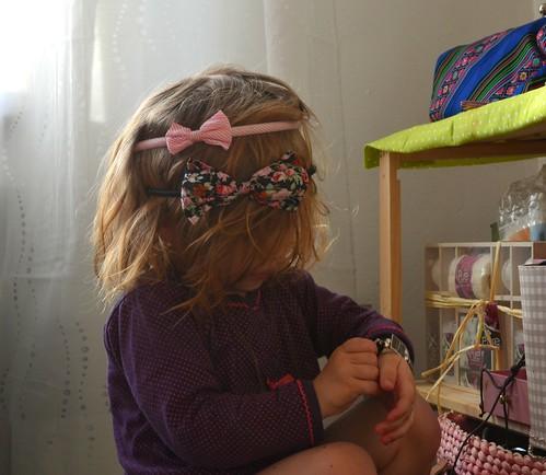 DSC_0046mein Baby hat sich mal komplett selbstständig geschmückt. Das trägt man nun anscheint so in der Kleinkindwelt ;)