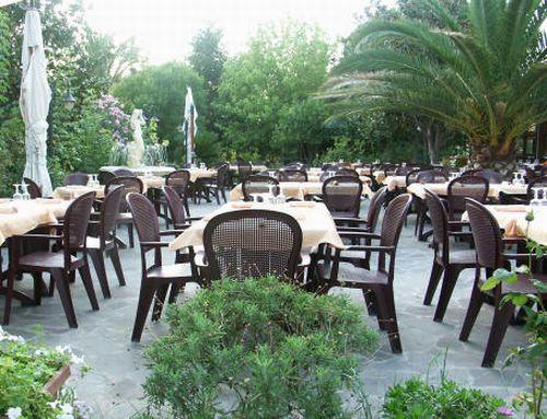 Il giardino del Ristorante Hotel Nuova Campagnola a Monte Compatri