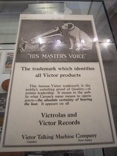 His Masters Voice - Nipper