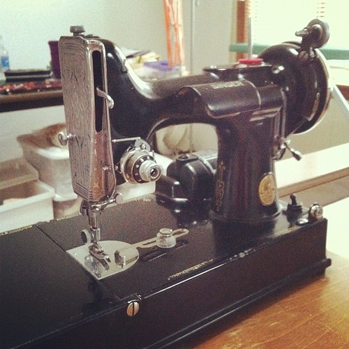 "Photo A Day Challenge: ""Something Old"" 1938 Singer Featherweight"