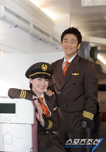 20111213_Goo-Hye-Sun-Ji-JIn-Hee-2