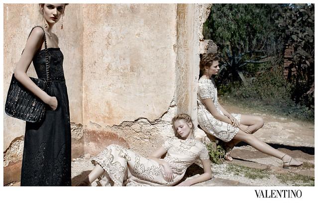 Valentino-Spring-Summer-2012-Deborah-Turbeville-03