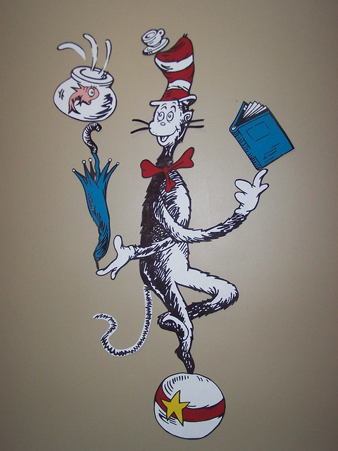 Dr seuss dr suess theme wallpaper wall paper art sticker for Cat in the hat bedroom ideas