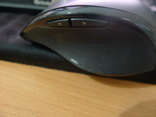羅技 M705 滑鼠左側
