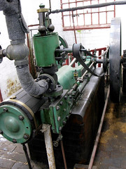steam engine(0.0), machine(1.0), pumping station(1.0), machine tool(1.0),