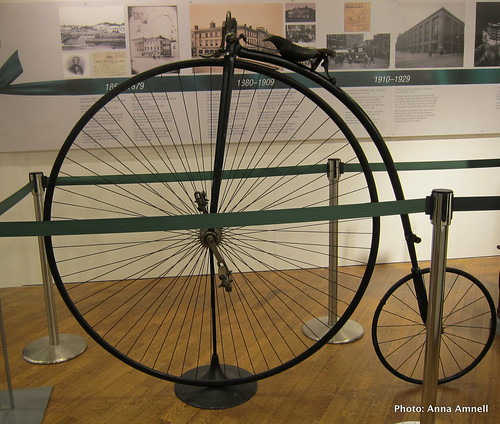 1800-luvun polkupyörä by Anna Amnell