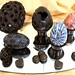 Huevos de Pascua. Templado y moldeado de chocolate blanco y negro