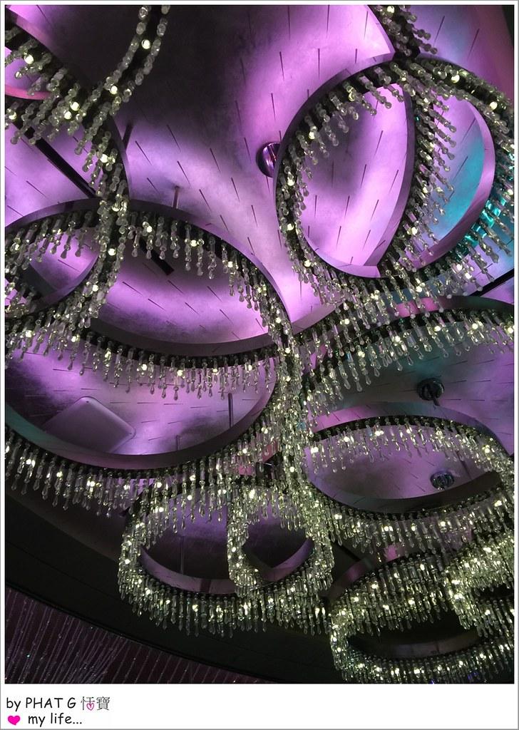 chandelier 06