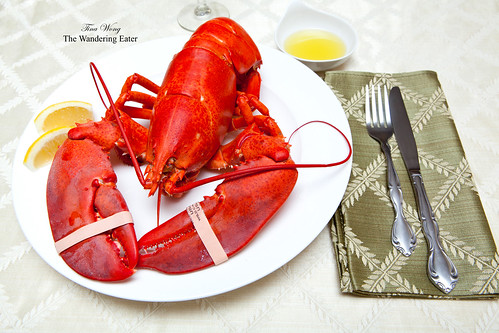 Steamed whole lobster with butter sauce