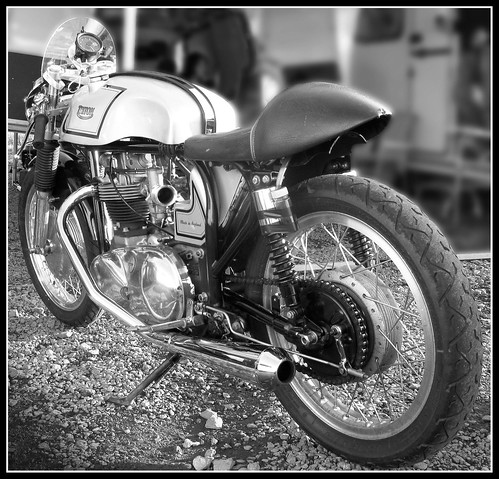 Triton Cafe Racer by davekpcv