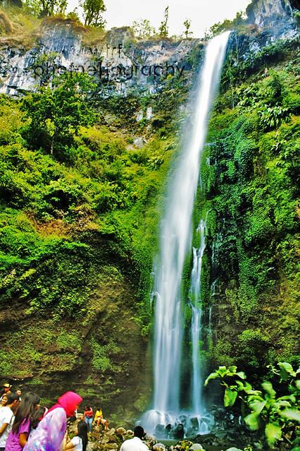 6485411529 e0ea544425 z Explore Pulau Sempu and Batu   Malang