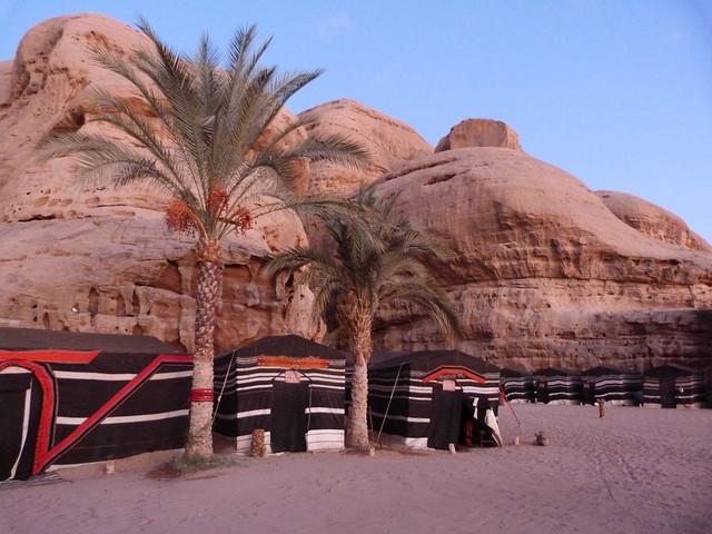 Campamento de Jaimas en el Desierto de Wadi Rum (Jordania)