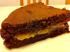 marmelada od mandarine u cokoladnom kolacu