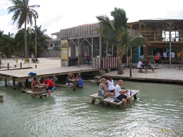 water bar at the split caye caulker belize